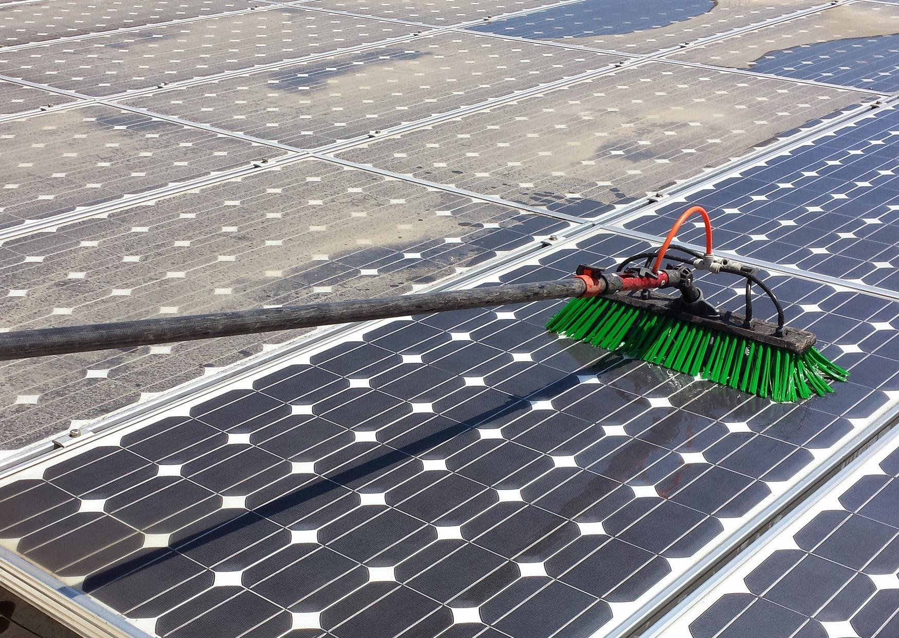 kibris solar panel temizligi